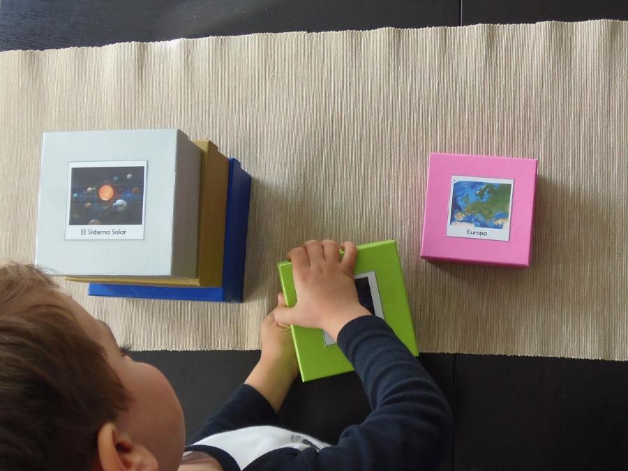 Montessori en Casa - Mi lugar en el Universo