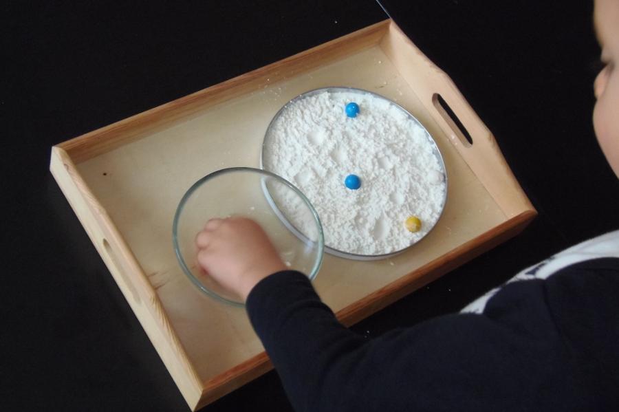 Montessori en Casa - Cráteres en la Luna