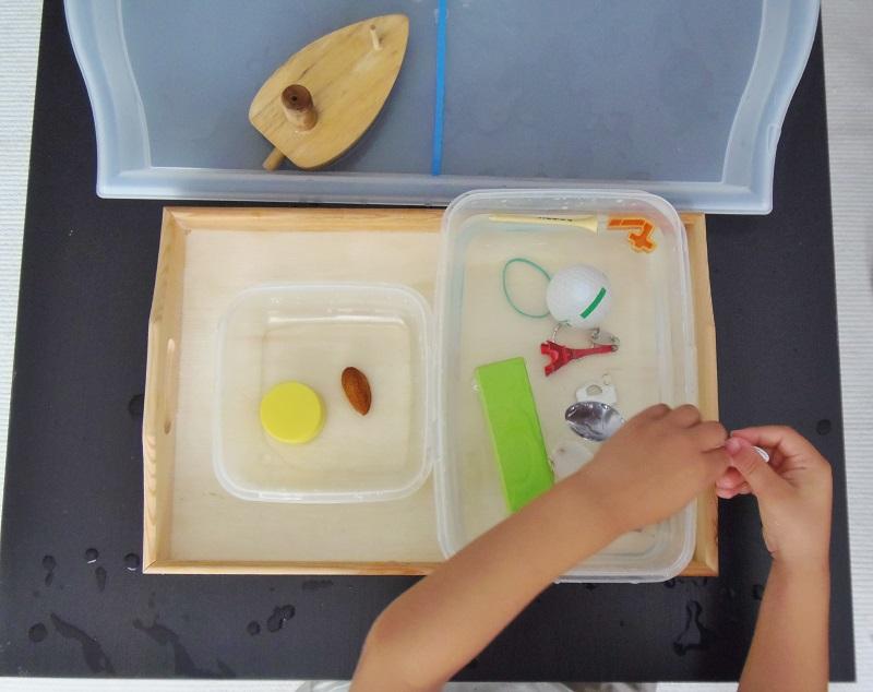 Montessori en Casa: Flota o se hunde - Floats or sinks