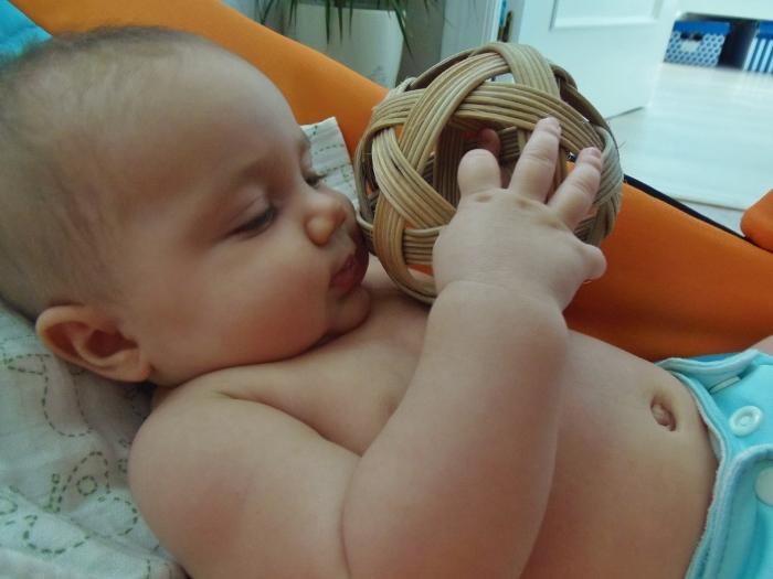 Bola Pikler - Montessori en Casa