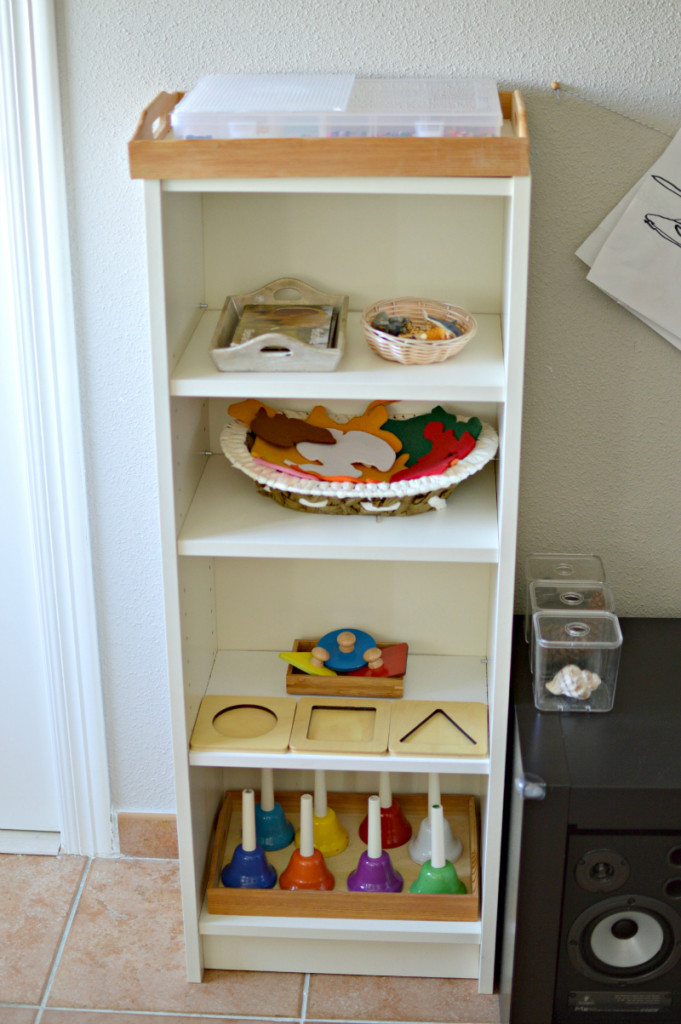 estante - montessori en casa
