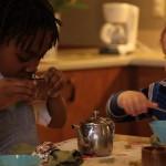 Una mirada a una clase Montessori – A peek inside a Montessori classroom