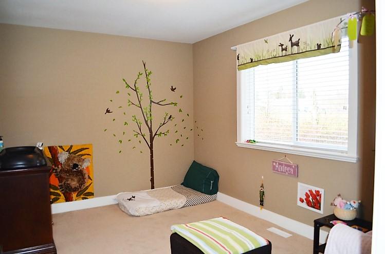 22 ideas montessori de habitaciones para beb s for Decoracion habitacion infantil montessori
