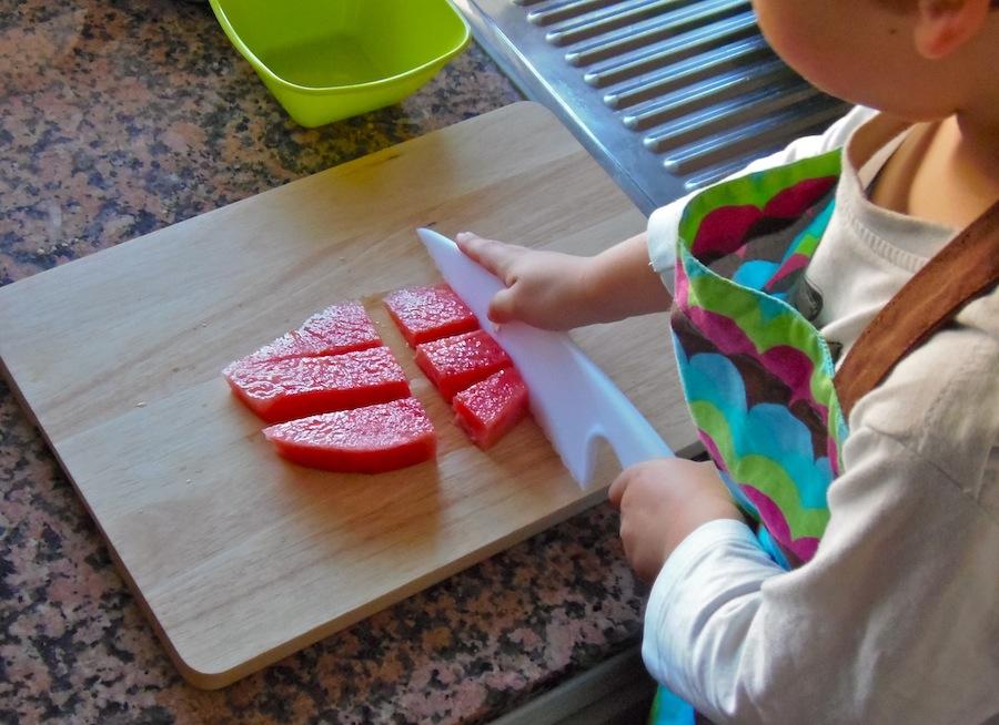 Cortar fruta sin peligro cutting fruit safely for Cuchillo de fruta