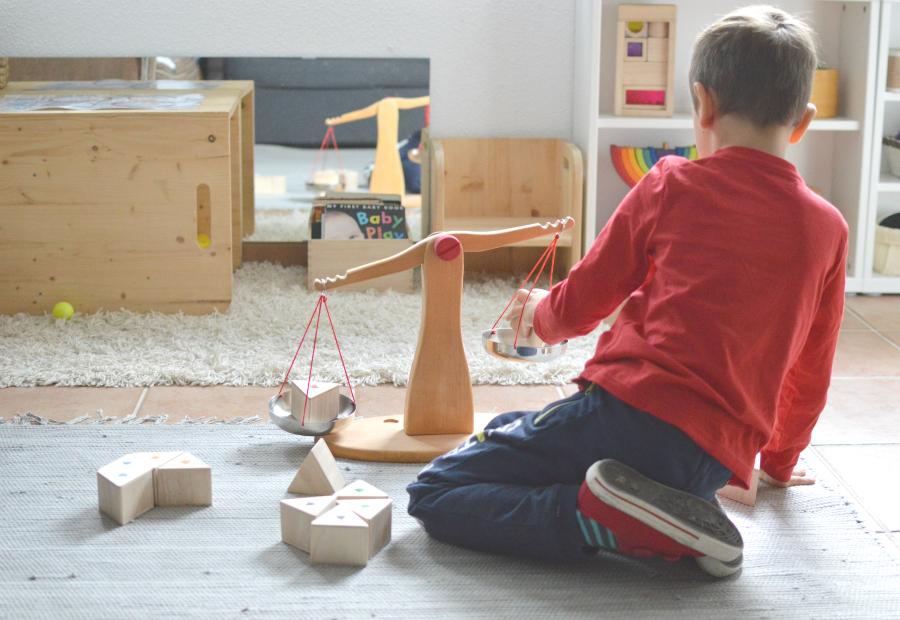 prismas peso - Montessori en casa 4