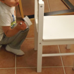 Limpiar una silla – Cleaning a chair